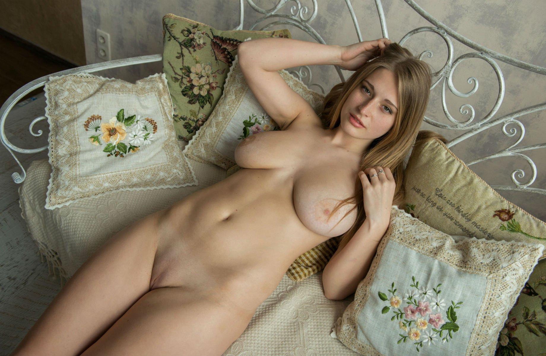 Photos girls russian naked Russian girls